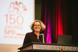 Unsere charmante Moderatiorin Stephanie Böhm